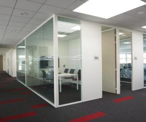 cloison de bureaux vitrées
